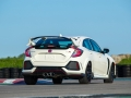 2017-honda-civic-type-r-37