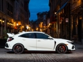 2017-honda-civic-type-r-48
