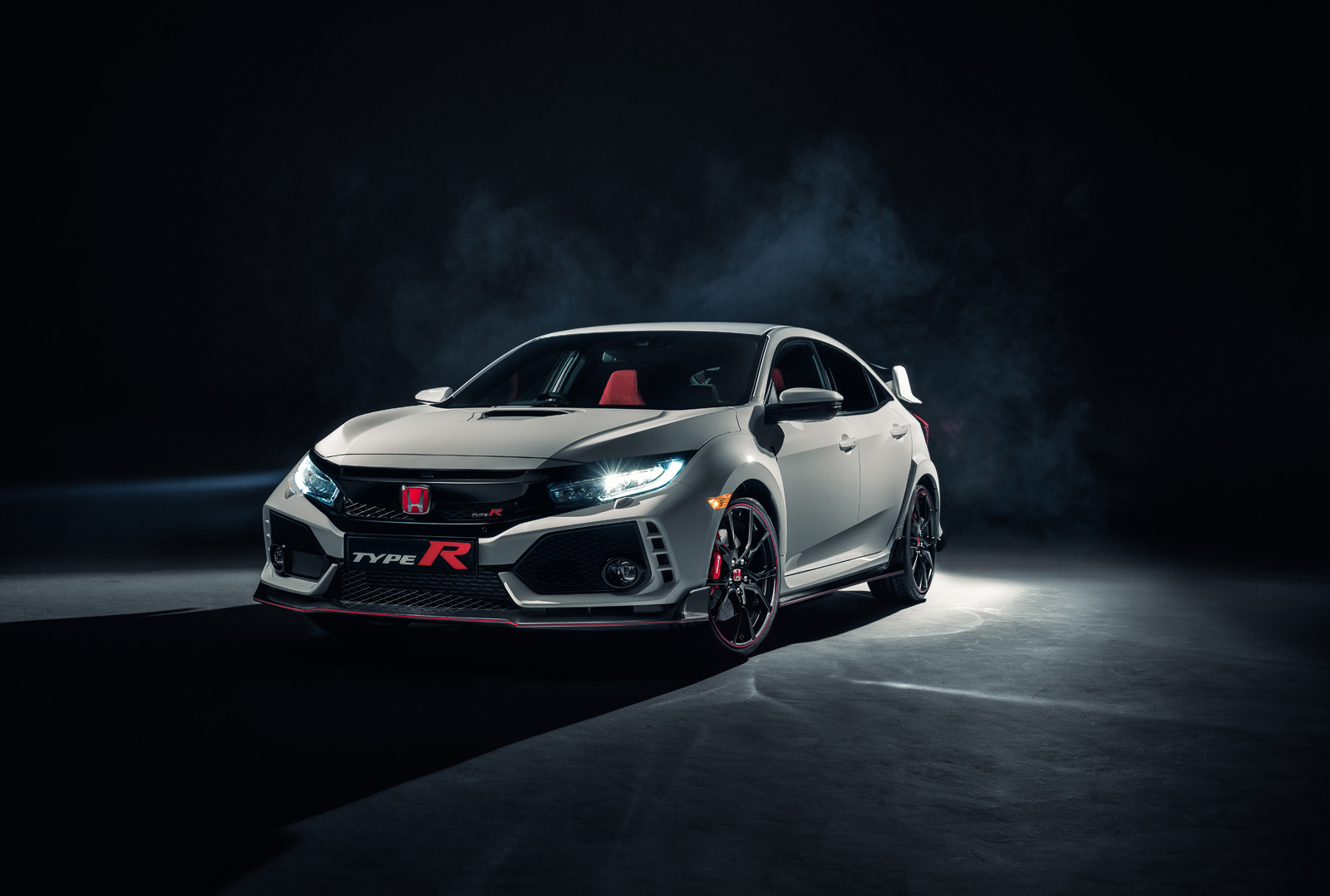 Honda Civic Type R leaked photo reveals $33900 price tag