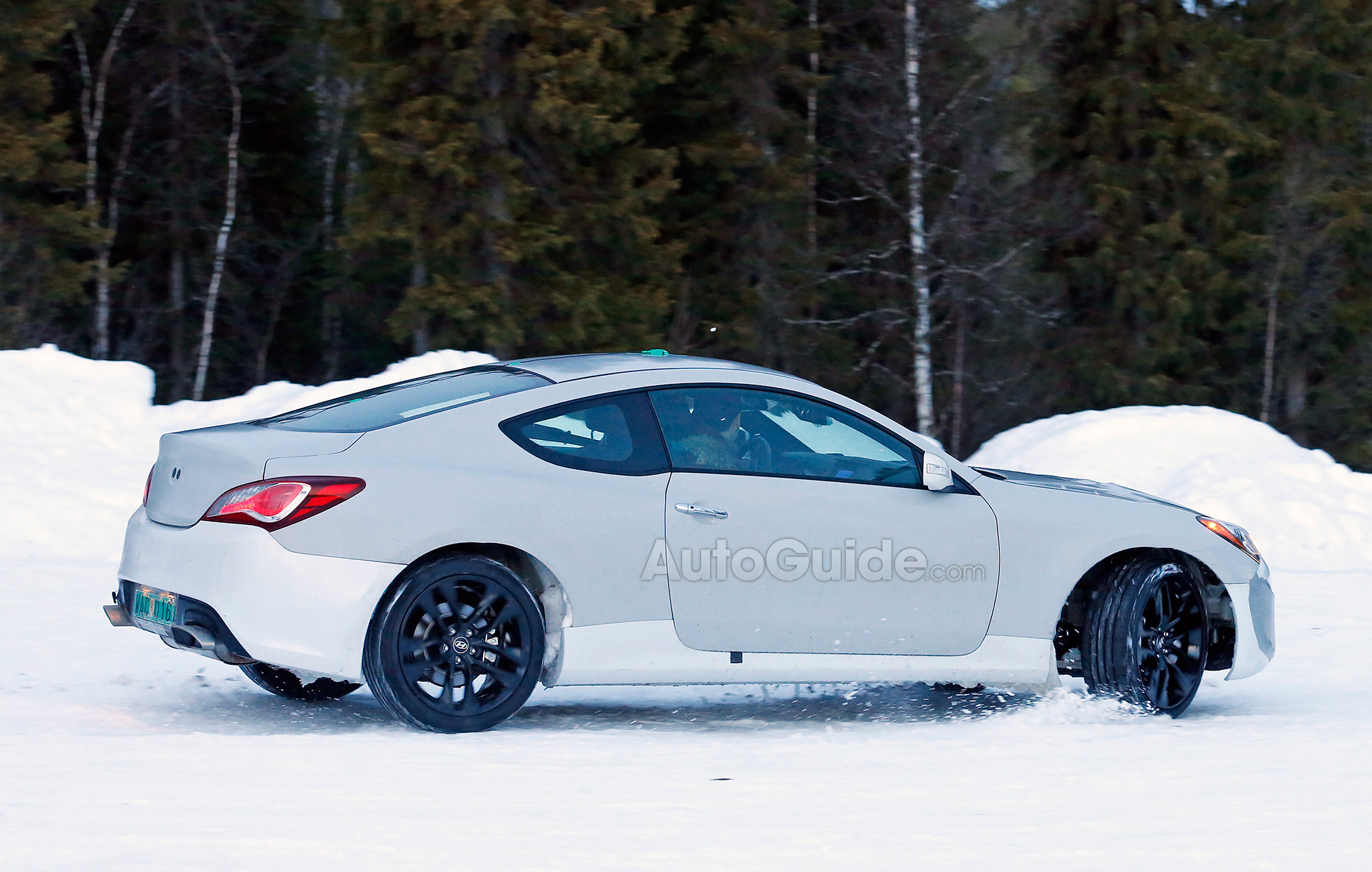 Elegant ... Hyundai Genesis Coupe Mule Spy Photo 06 ...