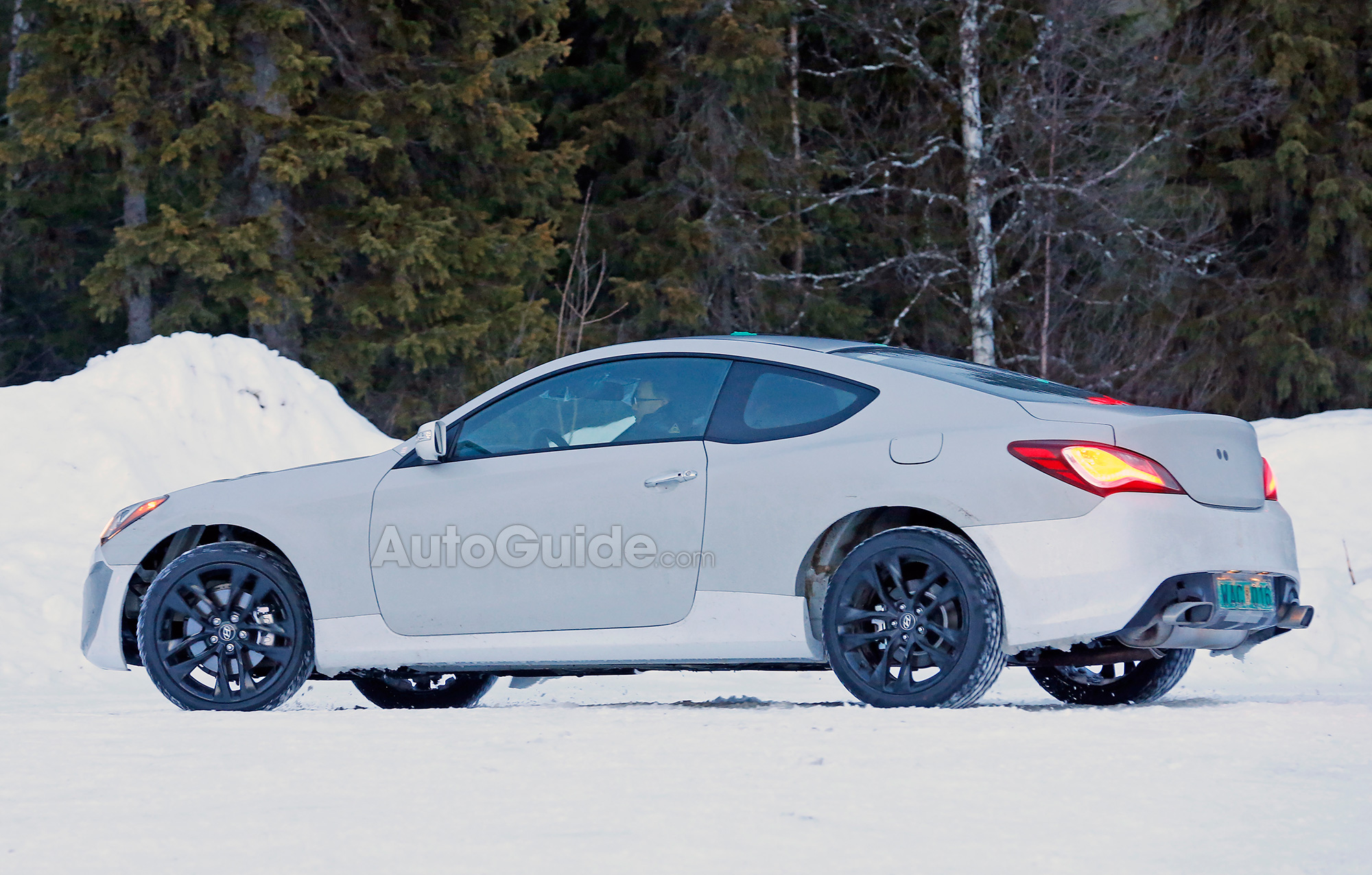 Attractive ... Hyundai Genesis Coupe Mule Spy Photo 10 ...