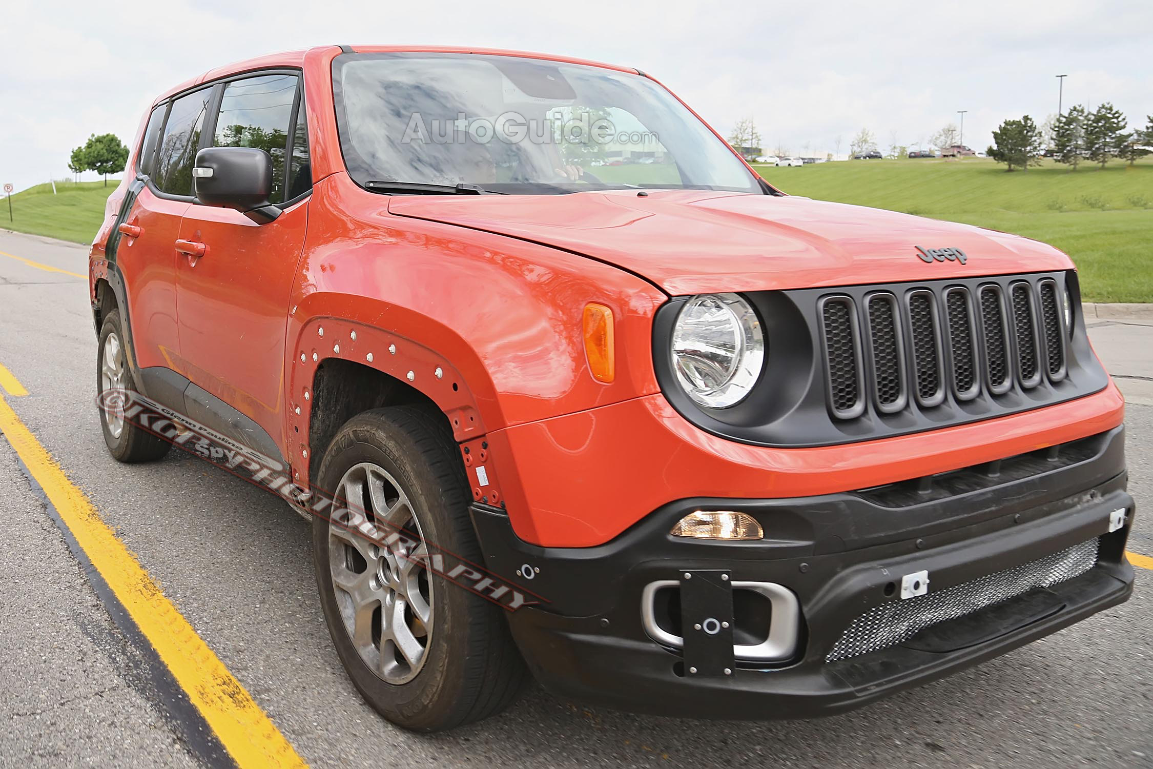 2018 Jeep Patriot Replaced With The New Compass >> 2017 Jeep Patriot Mule Spied Testing With Renegade Body