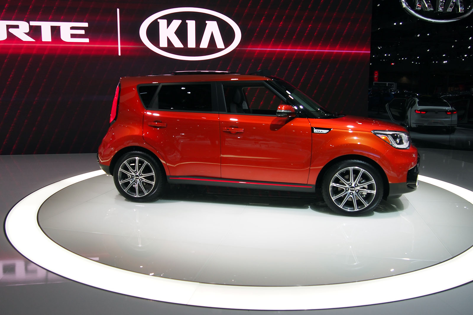 kia soul gains turbo power with 2017 exclaim model news. Black Bedroom Furniture Sets. Home Design Ideas