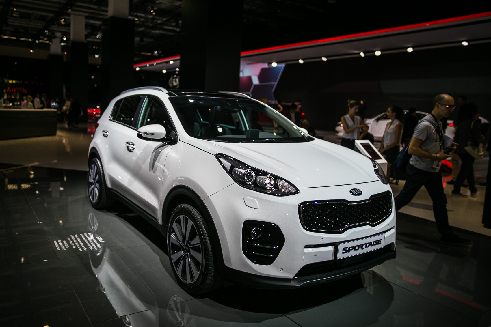 2017 kia sportage shows its new face at the frankfurt motor show news. Black Bedroom Furniture Sets. Home Design Ideas