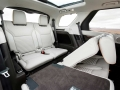 2017-Land-Rover-Discovery-Diesel-Interior-03