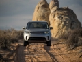 2017-Land-Rover-Discovery-Front-01