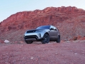 2017-Land-Rover-Discovery-Front-06