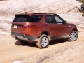 2017-Land-Rover-Discovery-Off-Road-09