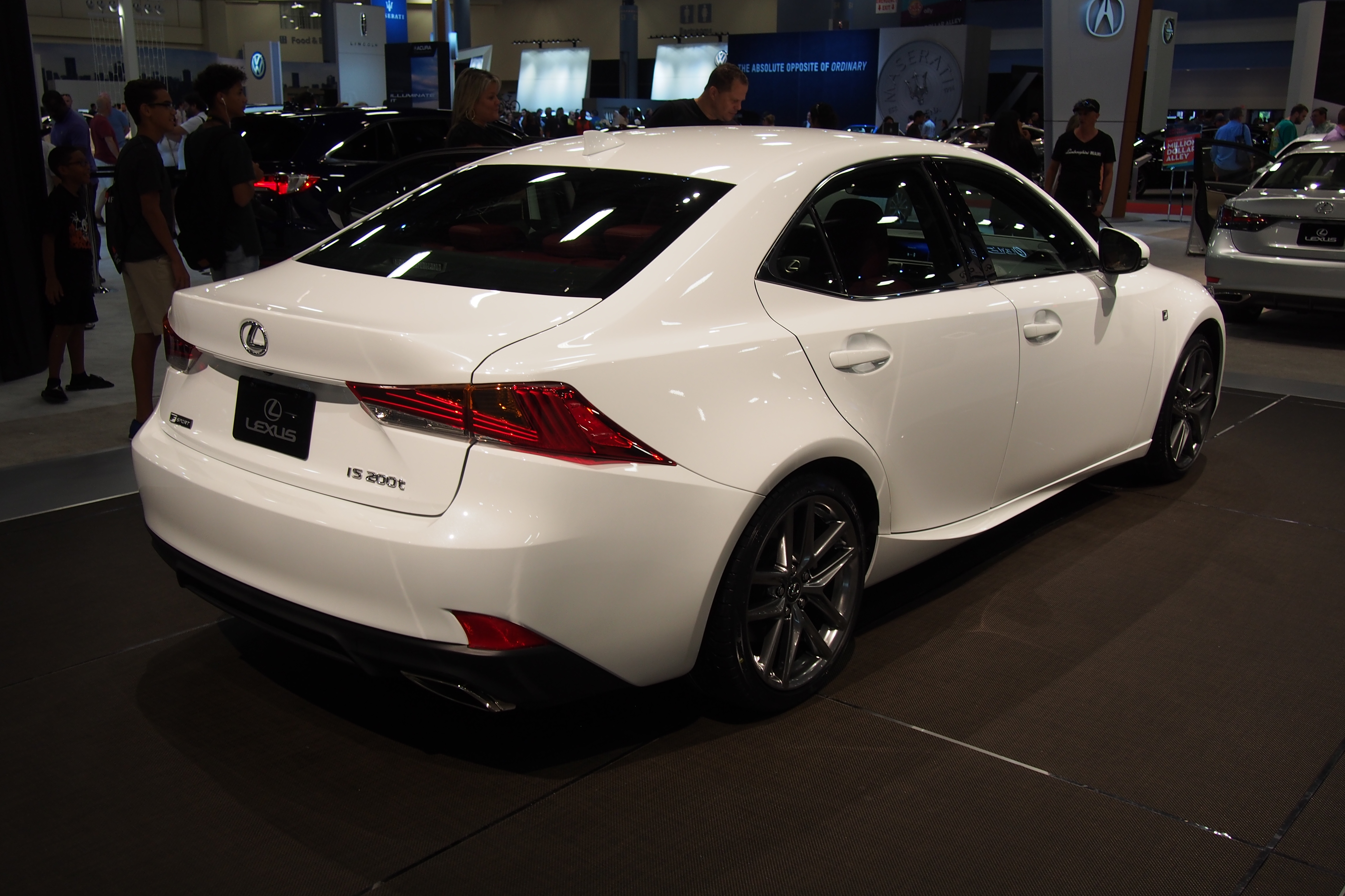 http://www.autoguide.com/blog/wp-content/gallery/2017-lexus-is-live-photos-9-10-2016/2017-Lexus-IS-Rear-02.JPG