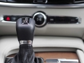 2017-Volvo-S90-T6-AWD-Inscription-Shifter