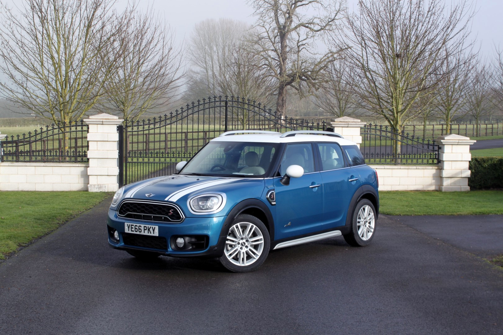 2017 Mini Countryman Review 6 Large