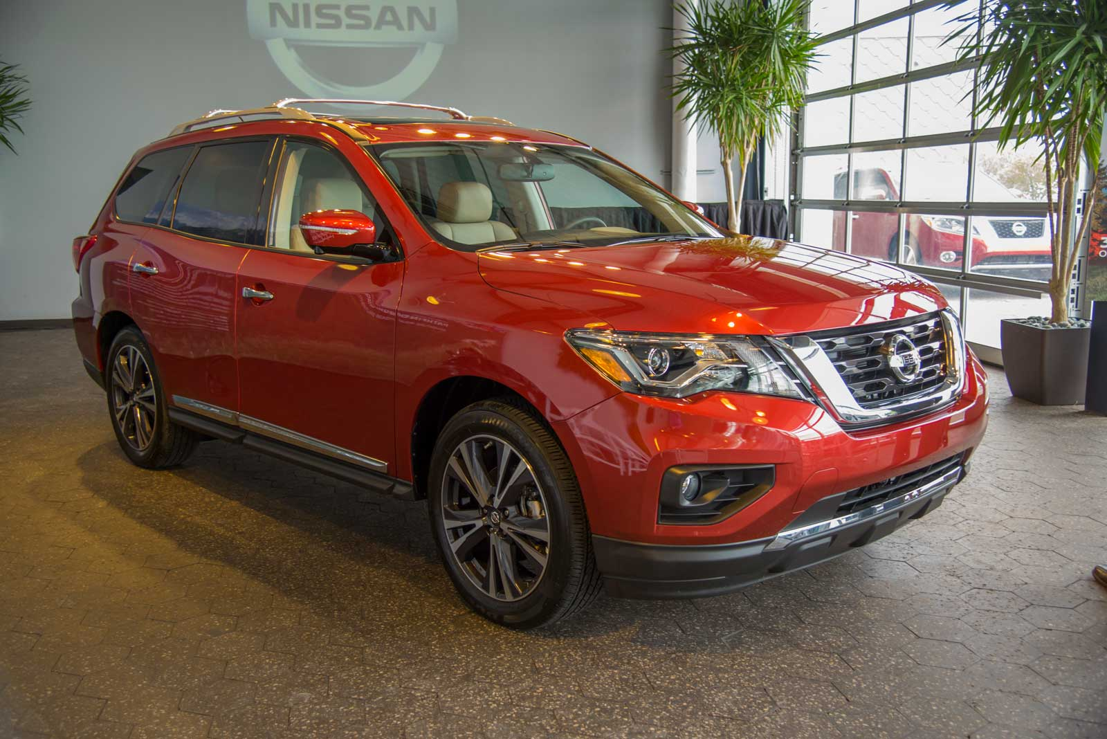 2017 nissan pathfinder gains power style and a better tow rating news. Black Bedroom Furniture Sets. Home Design Ideas