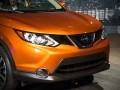 2017-Nissan-Rogue-Front-04