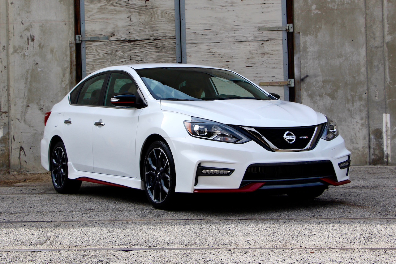 nissan sentra nismo debuts. Black Bedroom Furniture Sets. Home Design Ideas