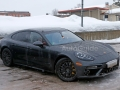 2017-porsche-panamera-spy-photos-09