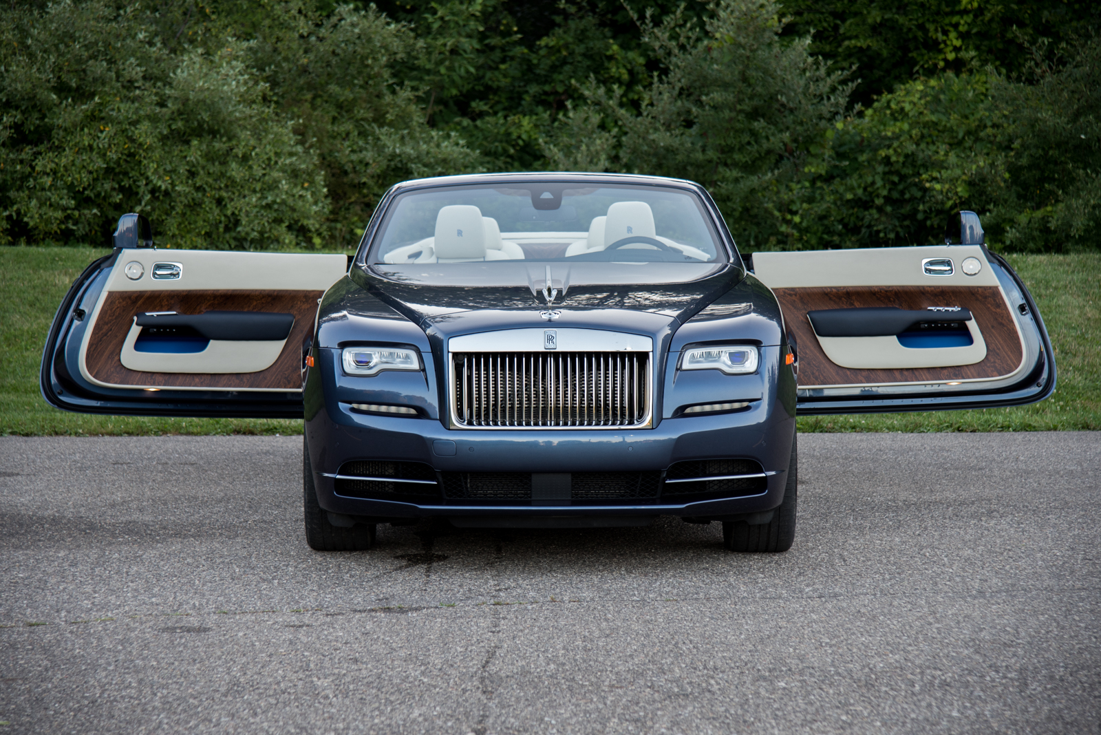 Used Car Loan >> 2017 Rolls-Royce Dawn Review - AutoGuide.com