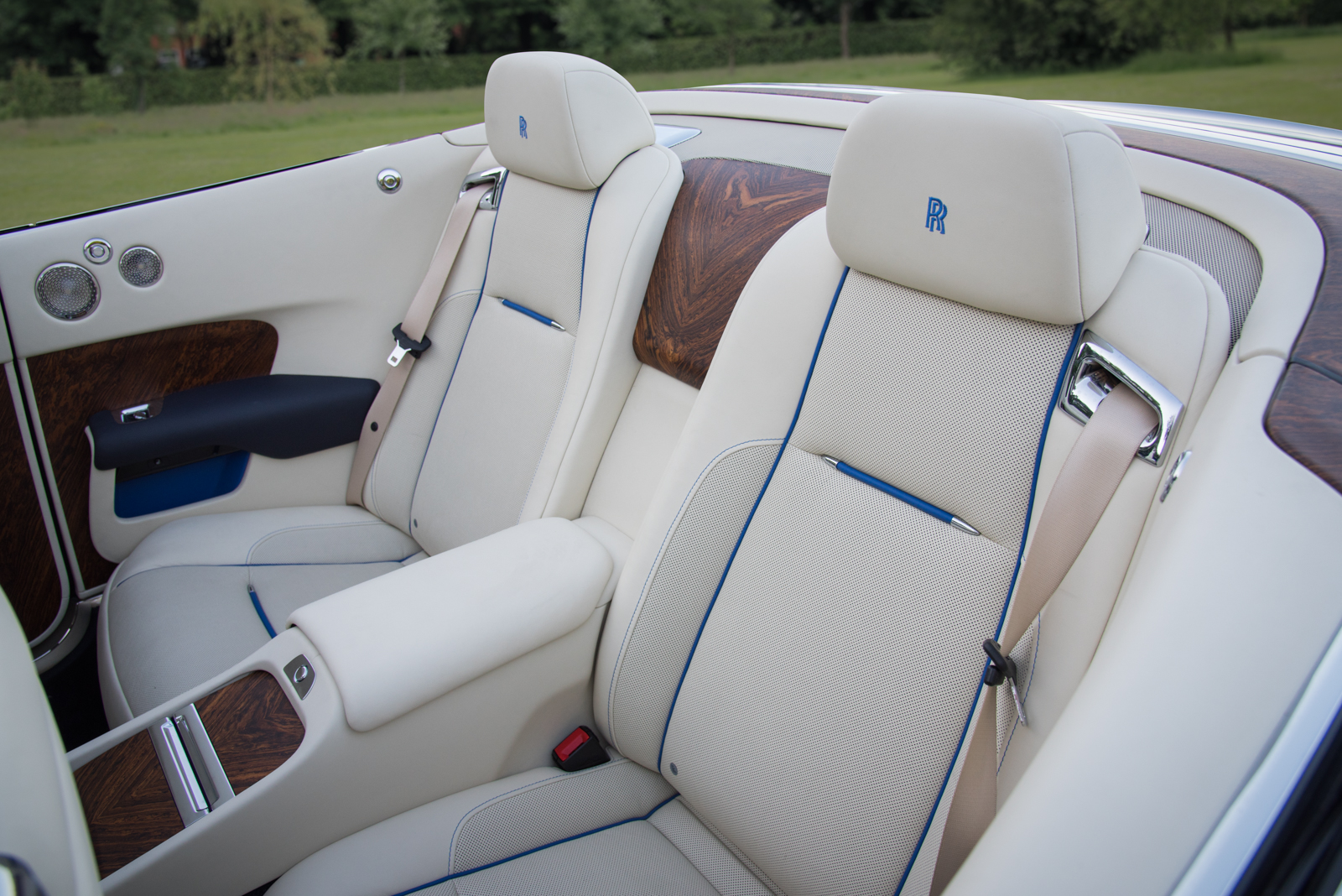 ... 2017 Rolls Royce Dawn Interior 02 ...