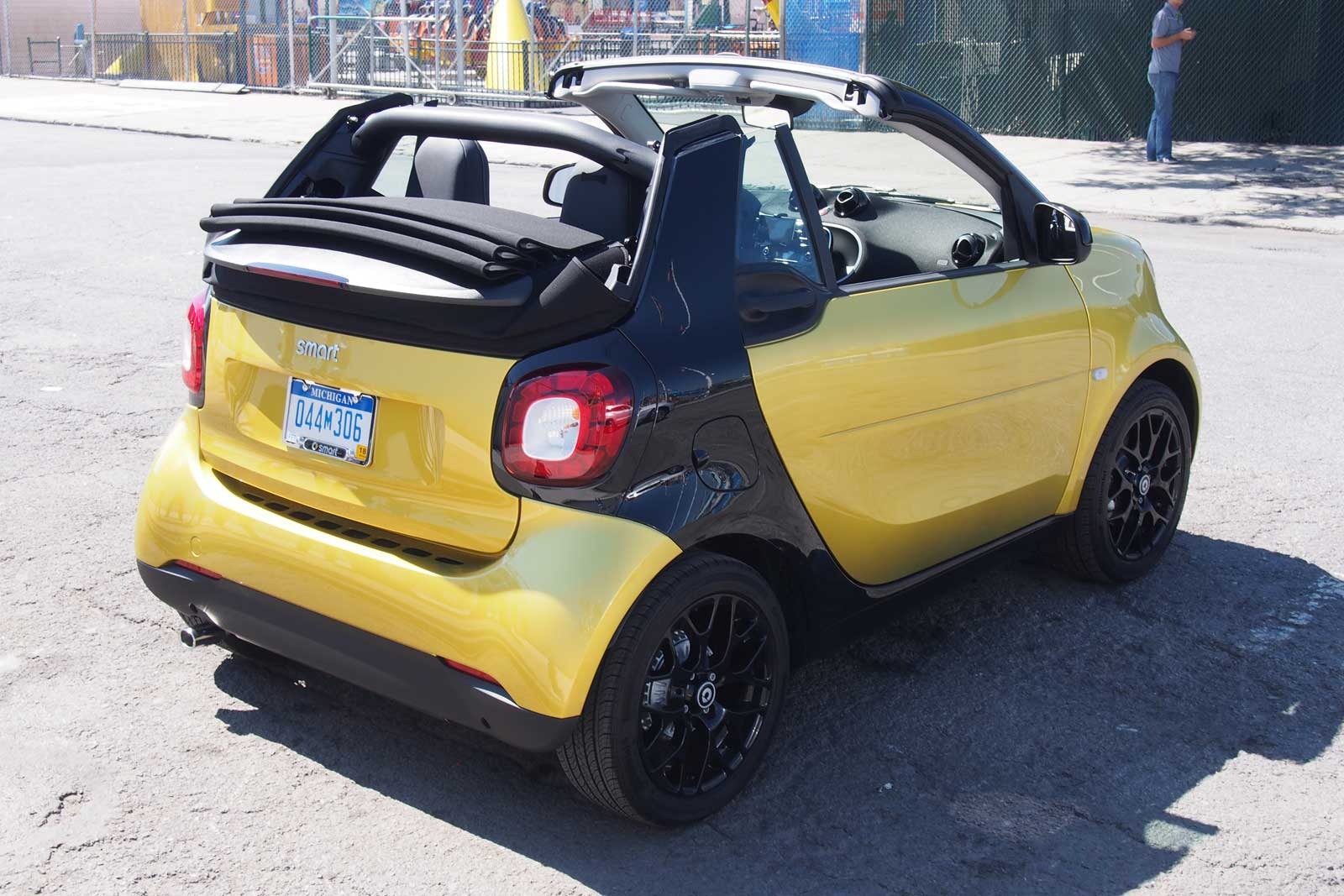 2017 Smart Fortwo Cabriolet Trunk 04