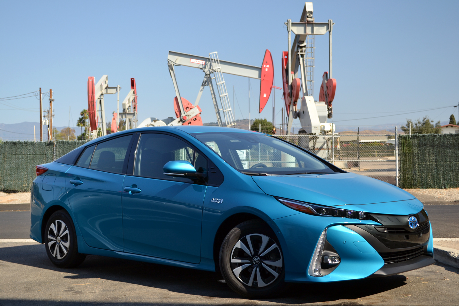 2017 toyota prius prime review and first drive news. Black Bedroom Furniture Sets. Home Design Ideas