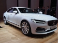 2017-Volvo-S90-Front-02