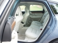 17_Volvo_V90_backseat_horiz