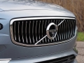 2017-Volvo-S90-T6-AWD-Inscription-Grille-01