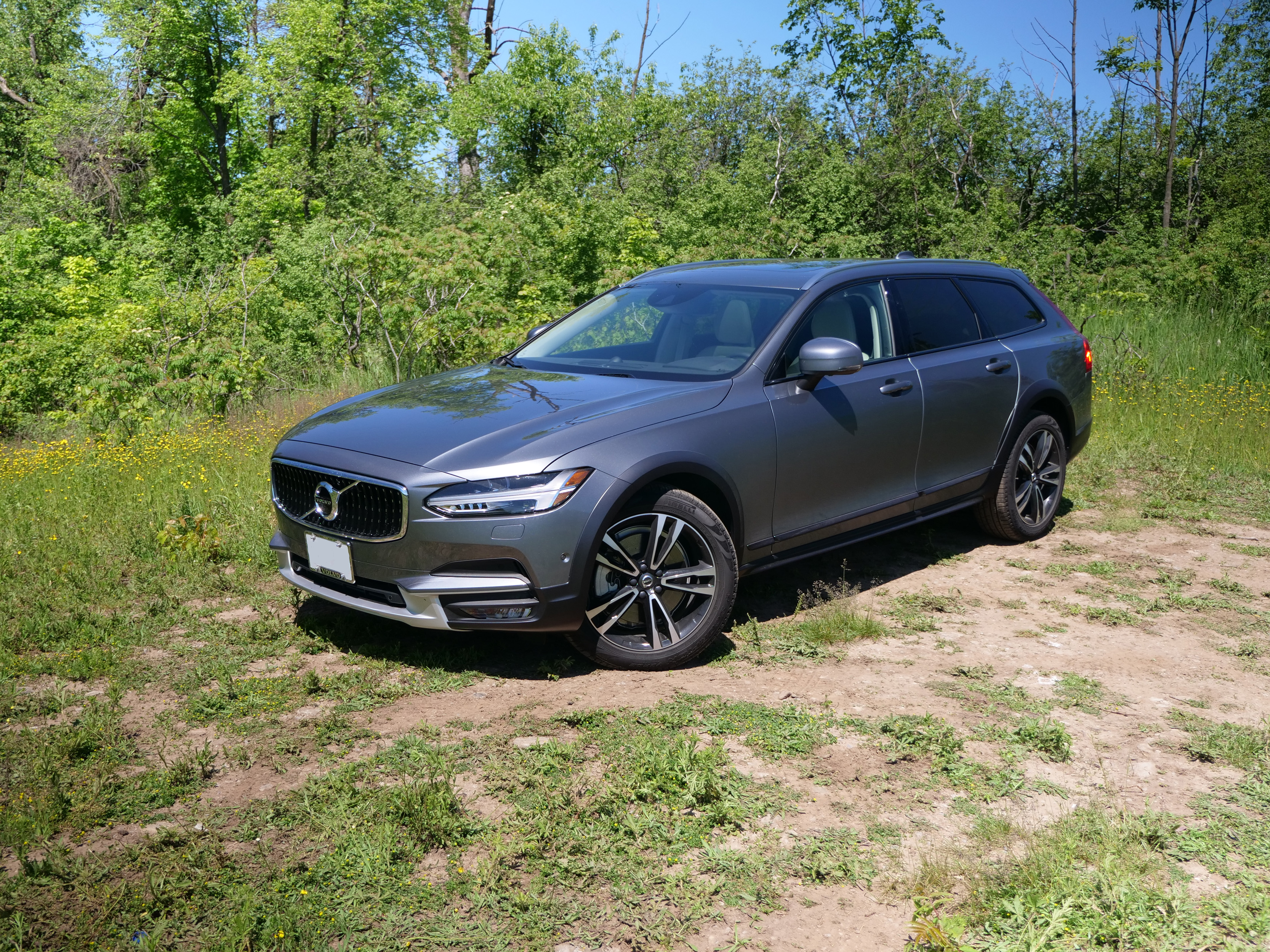 2017 Volvo V90 Cross Country Review Autoguide Com