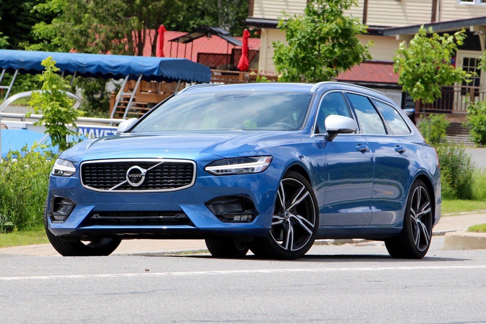 Average Car Insurance >> 2017 Volvo V90 R-Design Review - AutoGuide.com