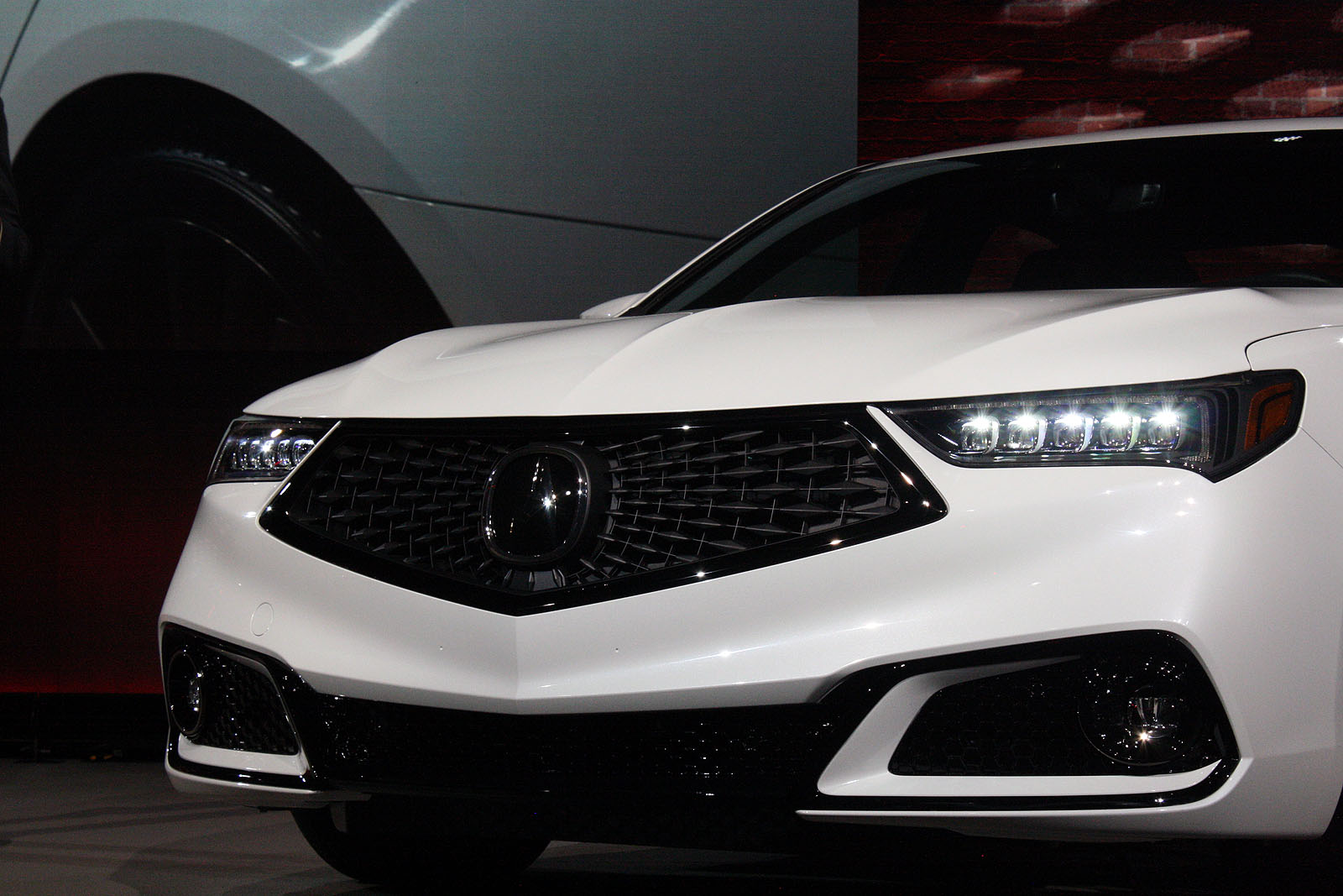 Updated Acura TLX Debuts With Swanky New Grille AutoGuidecom - 2018 acura tl headlights