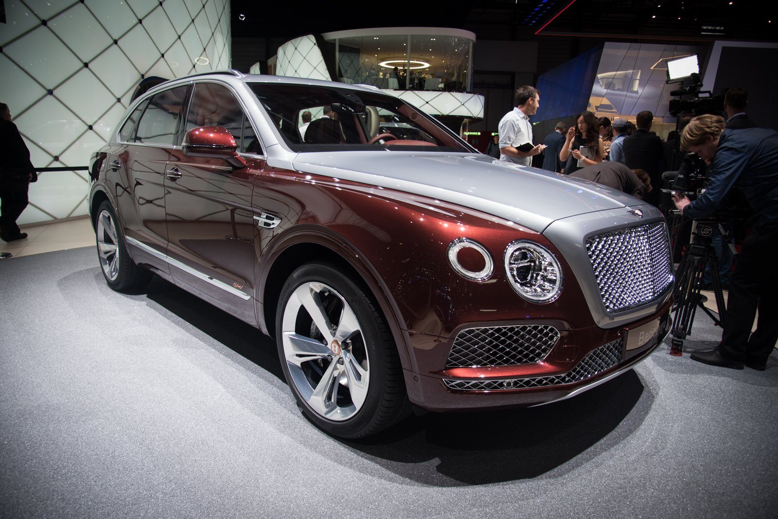 driver info price original review and bentley reviews bentayga drive photos car mulsanne news first tag s truck photo