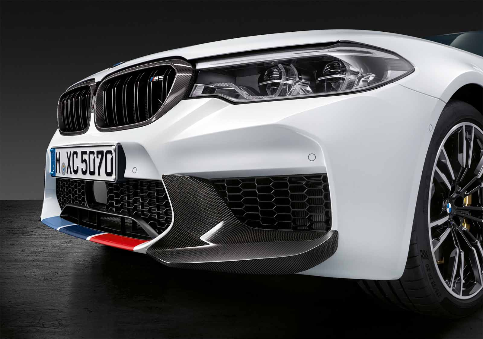 new m performance parts have us drooling over the 2018 bmw m52018 bmw m5 sema 2