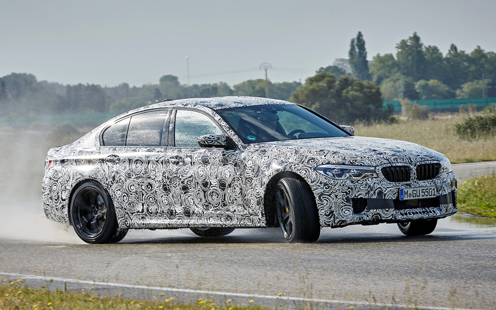 the 2018 bmw m5 is a 600 hp all wheel drive monster news. Black Bedroom Furniture Sets. Home Design Ideas