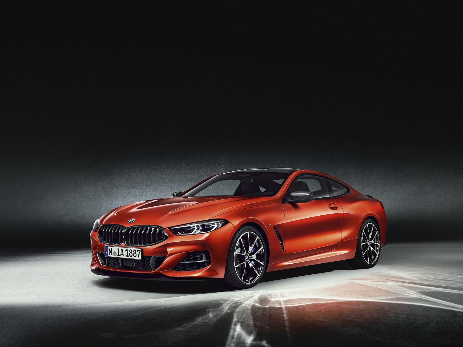 the new bmw 8 series is finally here news. Black Bedroom Furniture Sets. Home Design Ideas