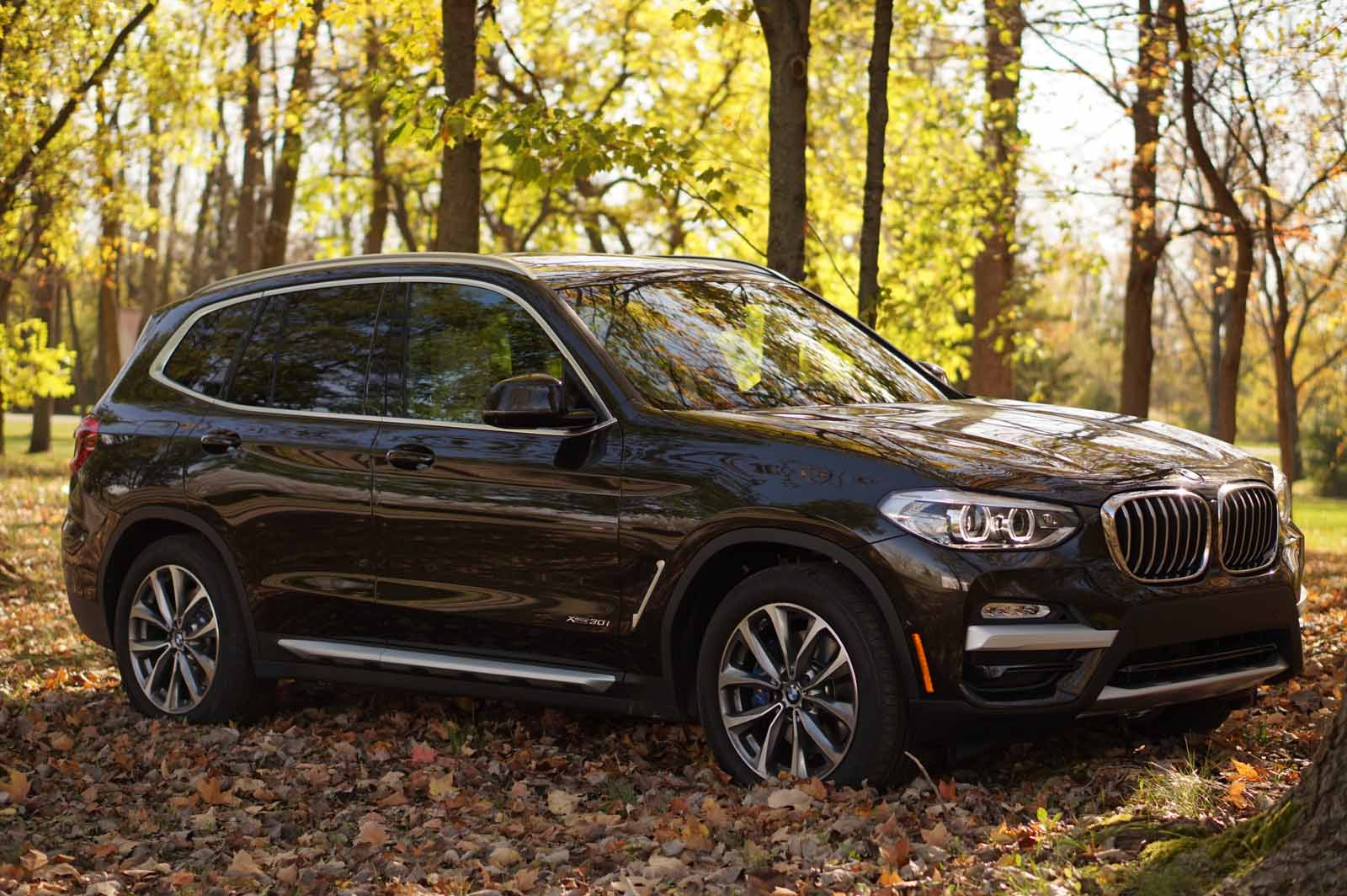 Bmw X3 2017 Interior >> 2018 BMW X3 Review - AutoGuide.com