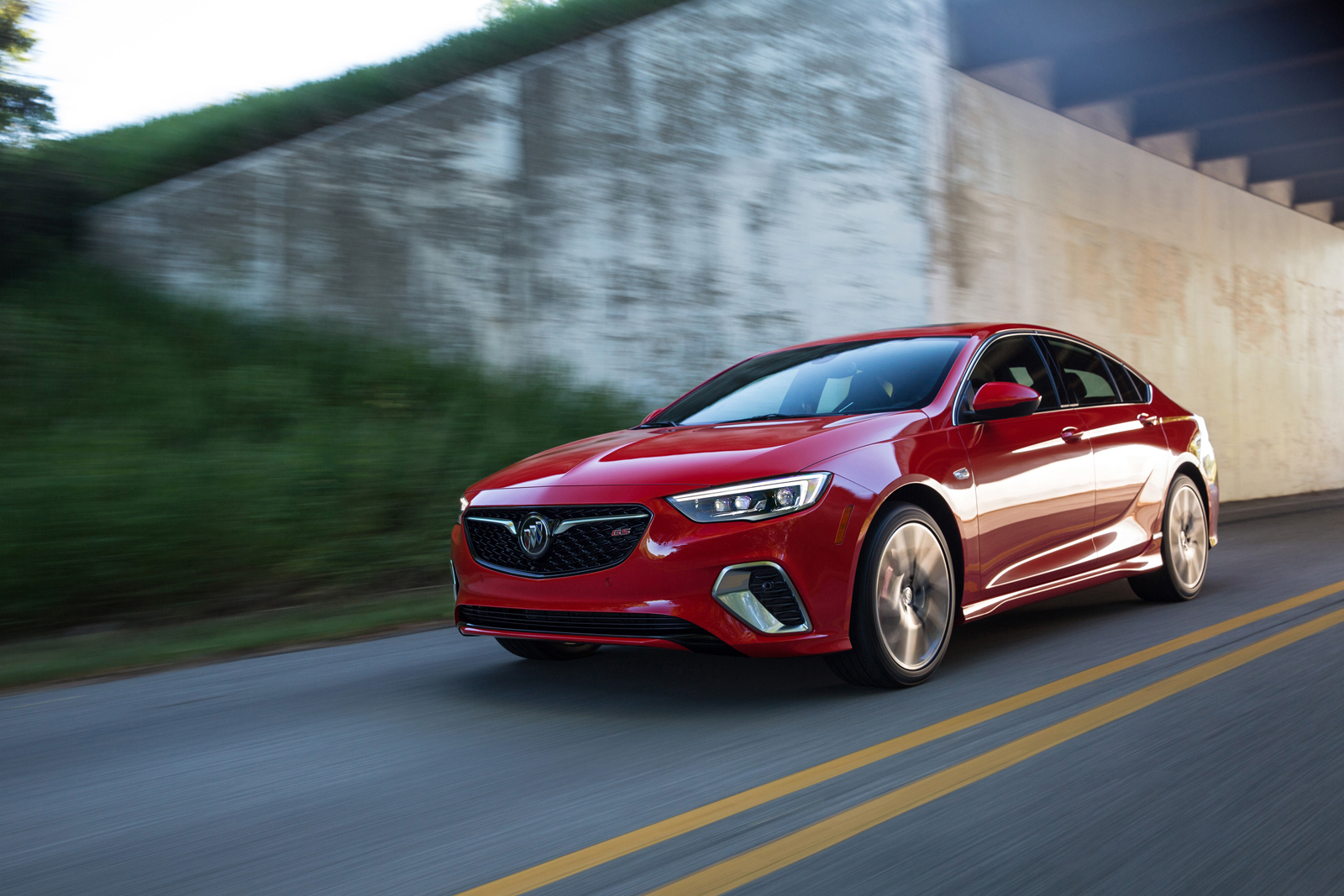 Buick Regal GS Shows Up With 310HP V6 And Clever AWD
