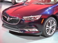 2018-Buick-Regal-Grille-01