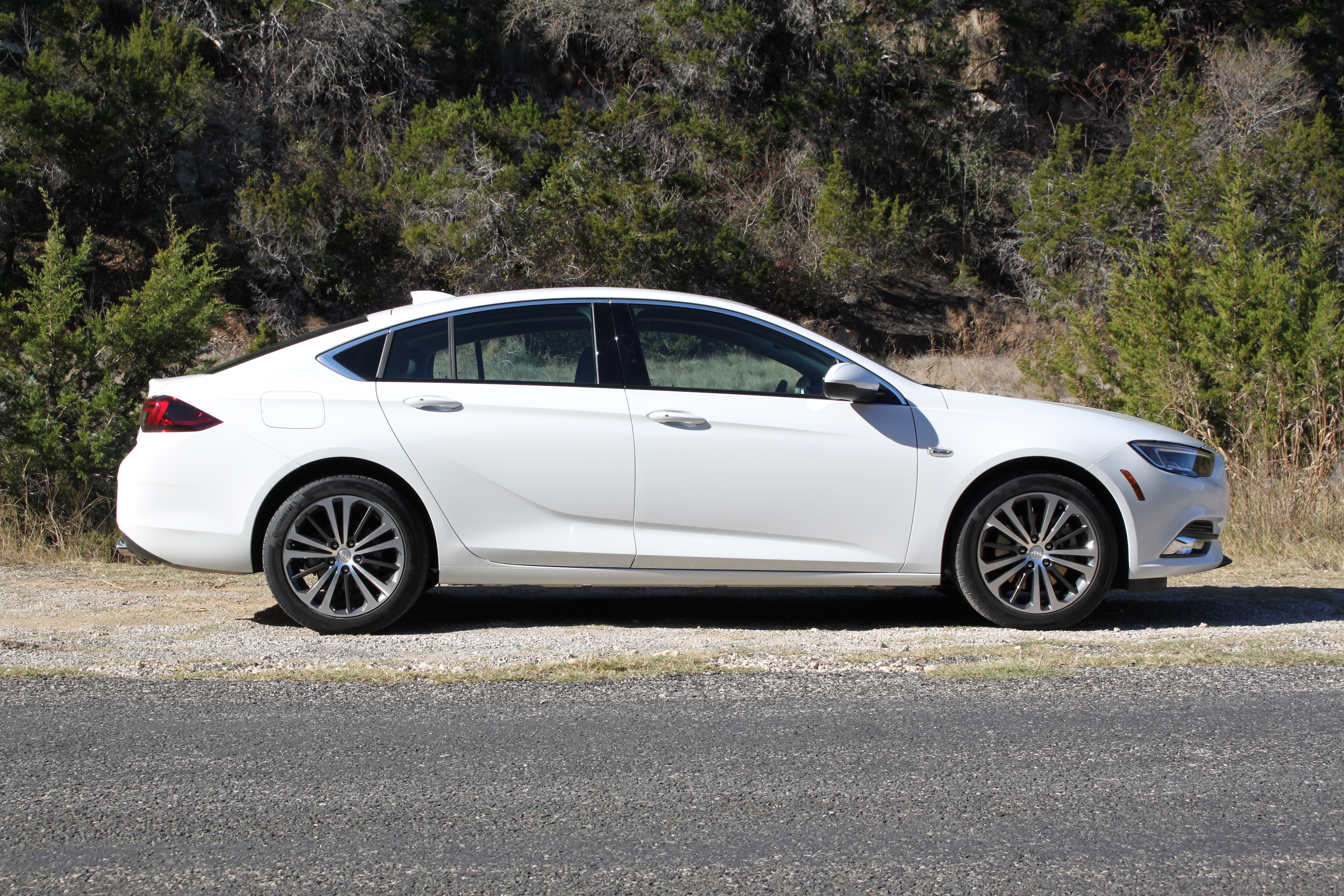 2018 Buick Regal Sportback Review 1