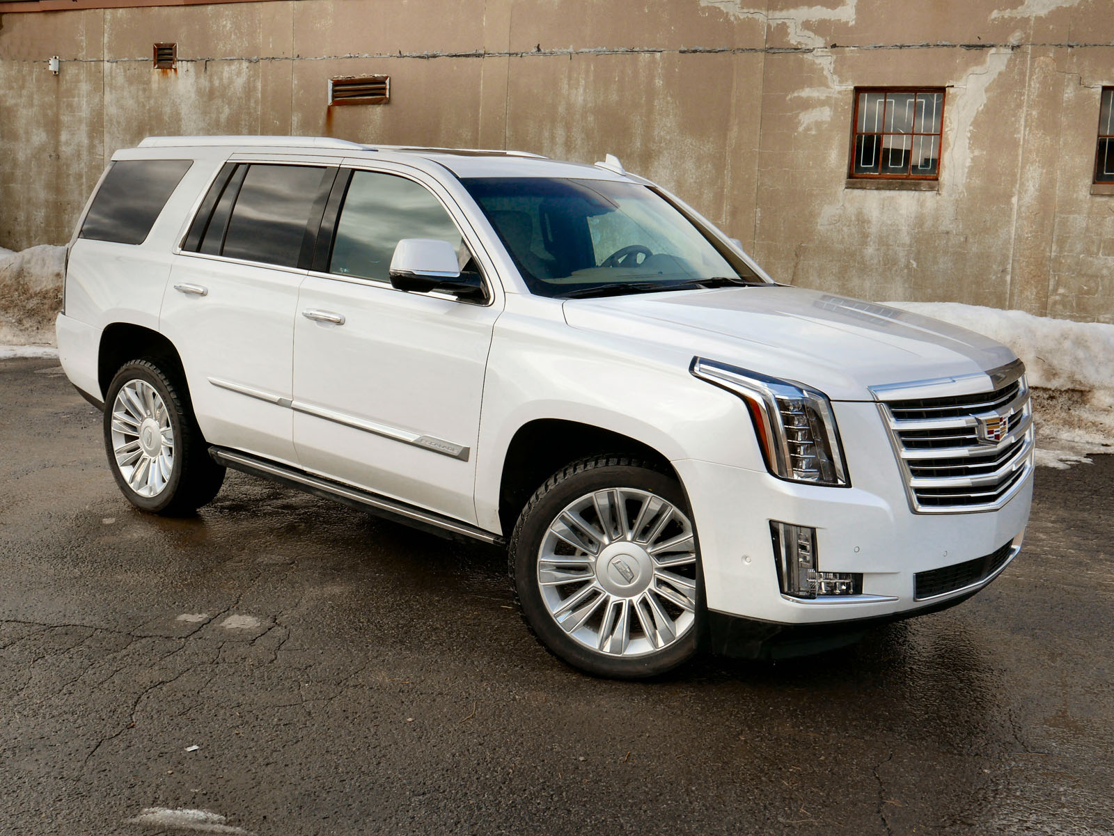 2018 cadillac escalade review news. Black Bedroom Furniture Sets. Home Design Ideas