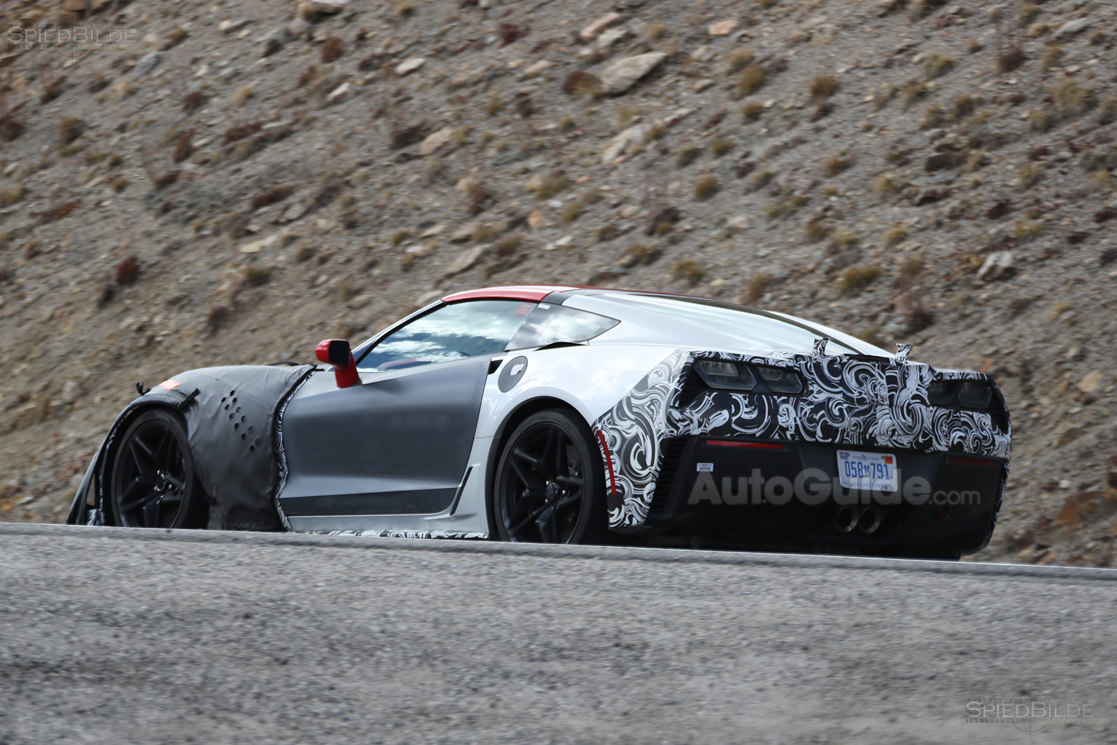 2018 chevrolet corvette zr1 spied testing with aggressive styling