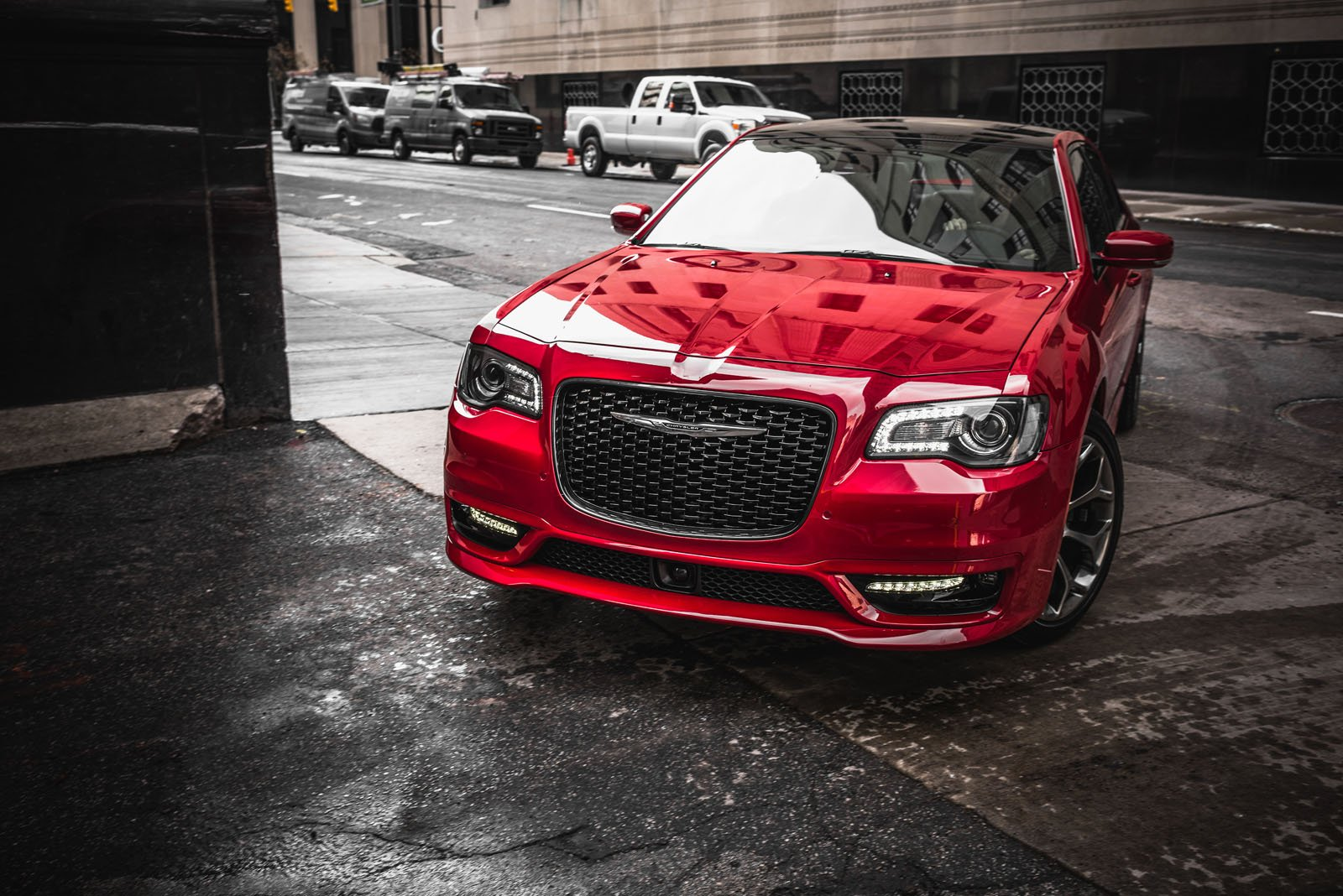 Parts Of Cars >> 2018 Chrysler 300 Review - AutoGuide.com