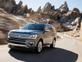 2018-Ford-Expedition-Driving-01