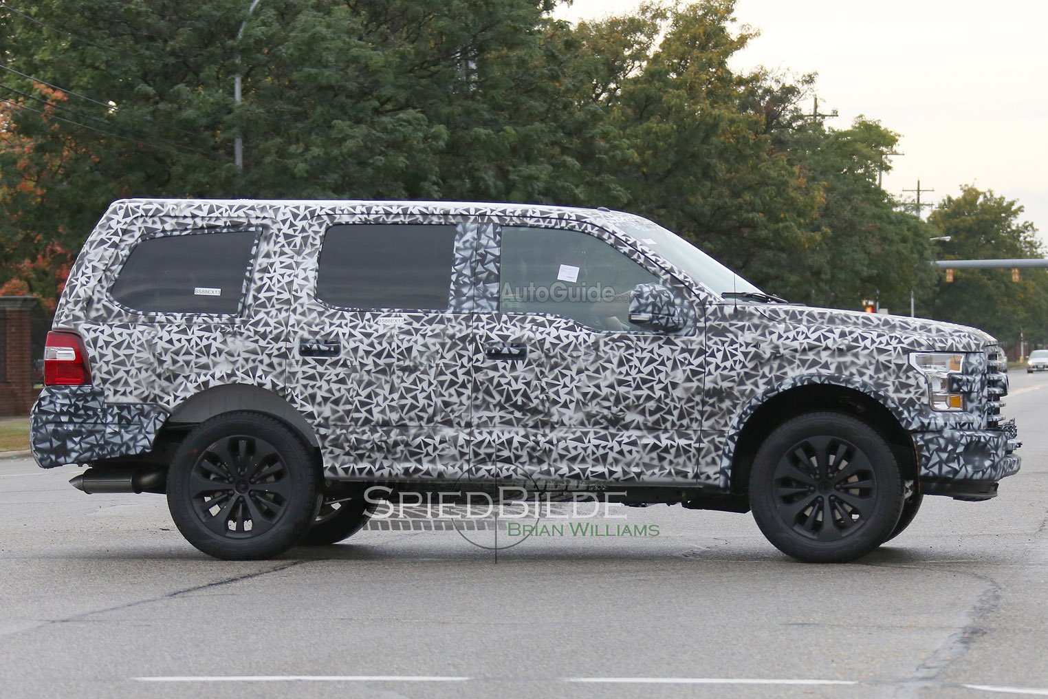 2018 Ford Expedition Spy Photo 4
