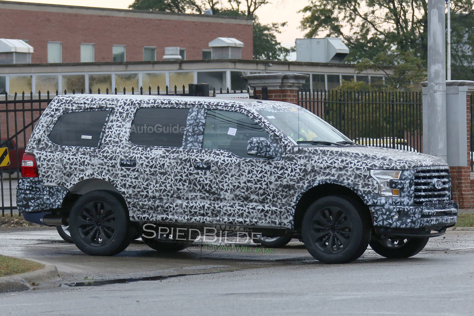 2018 ford expedition spy photo 6