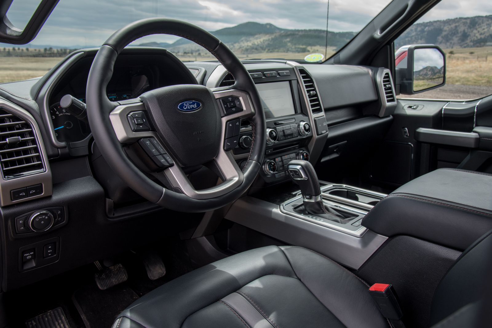 2018 Ford F150 Interior >> 2018 Ford F 150 Power Stroke Review Autoguide Com