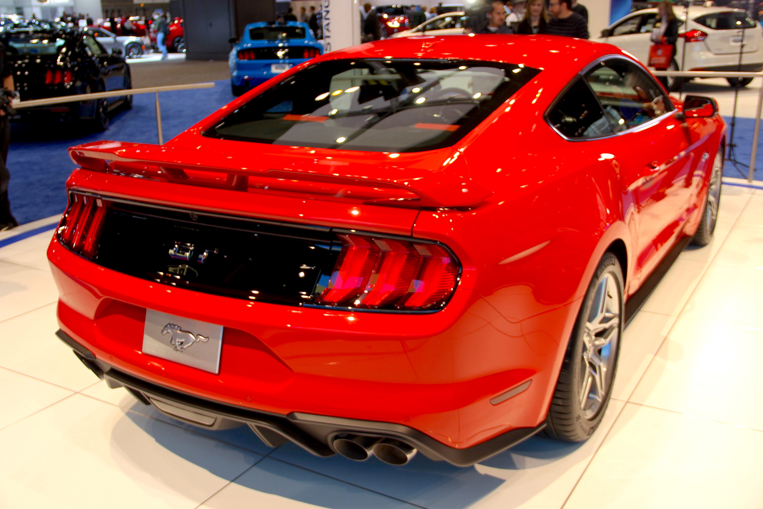 2018 ford mustang 1