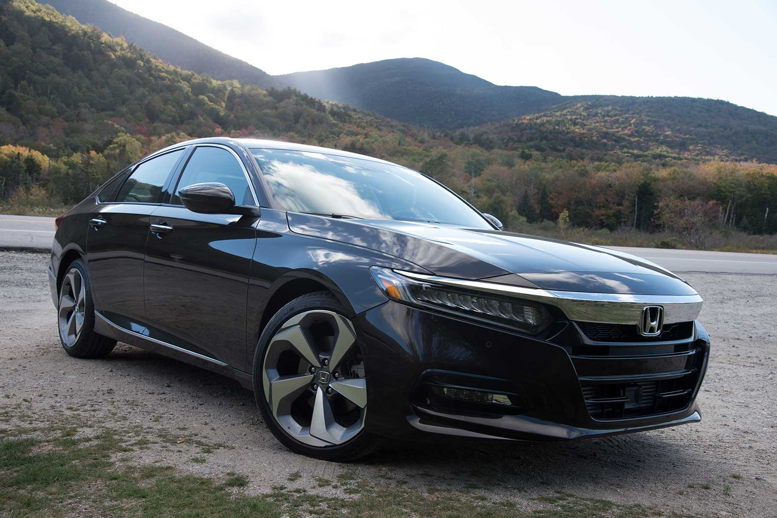 2018 Honda Accord 2 0 Turbo Touring Front Three