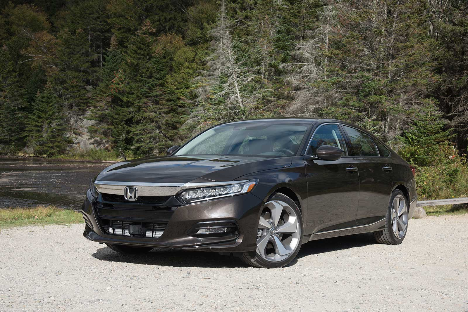 Honda Accord 2018 Spec >> 2018 Honda Accord Review Autoguide Com News