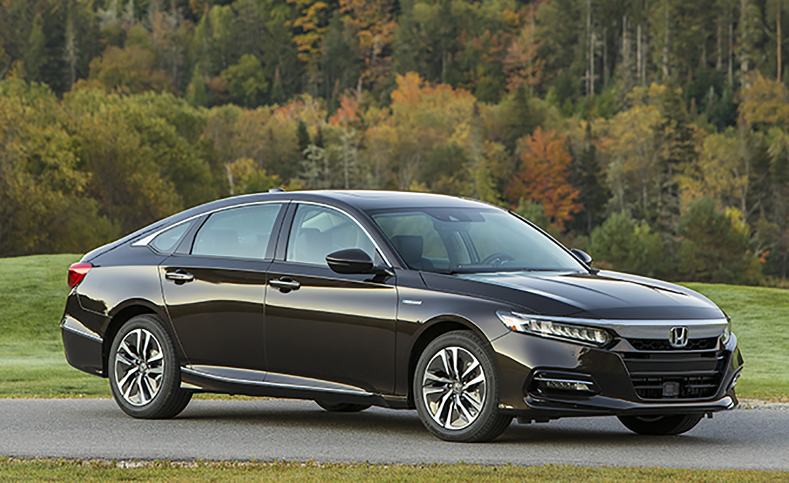 2018 Honda Accord Hybrid is More Affordable Than Ever ...