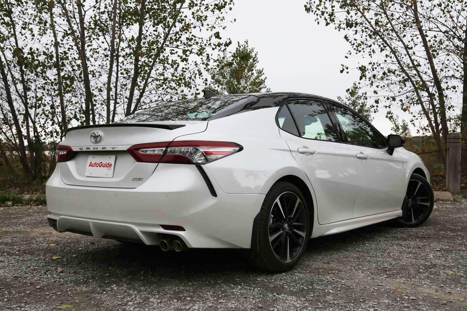 Accord Vs Camry >> 2018 Honda Accord Vs Toyota Camry Comparison Autoguide Com