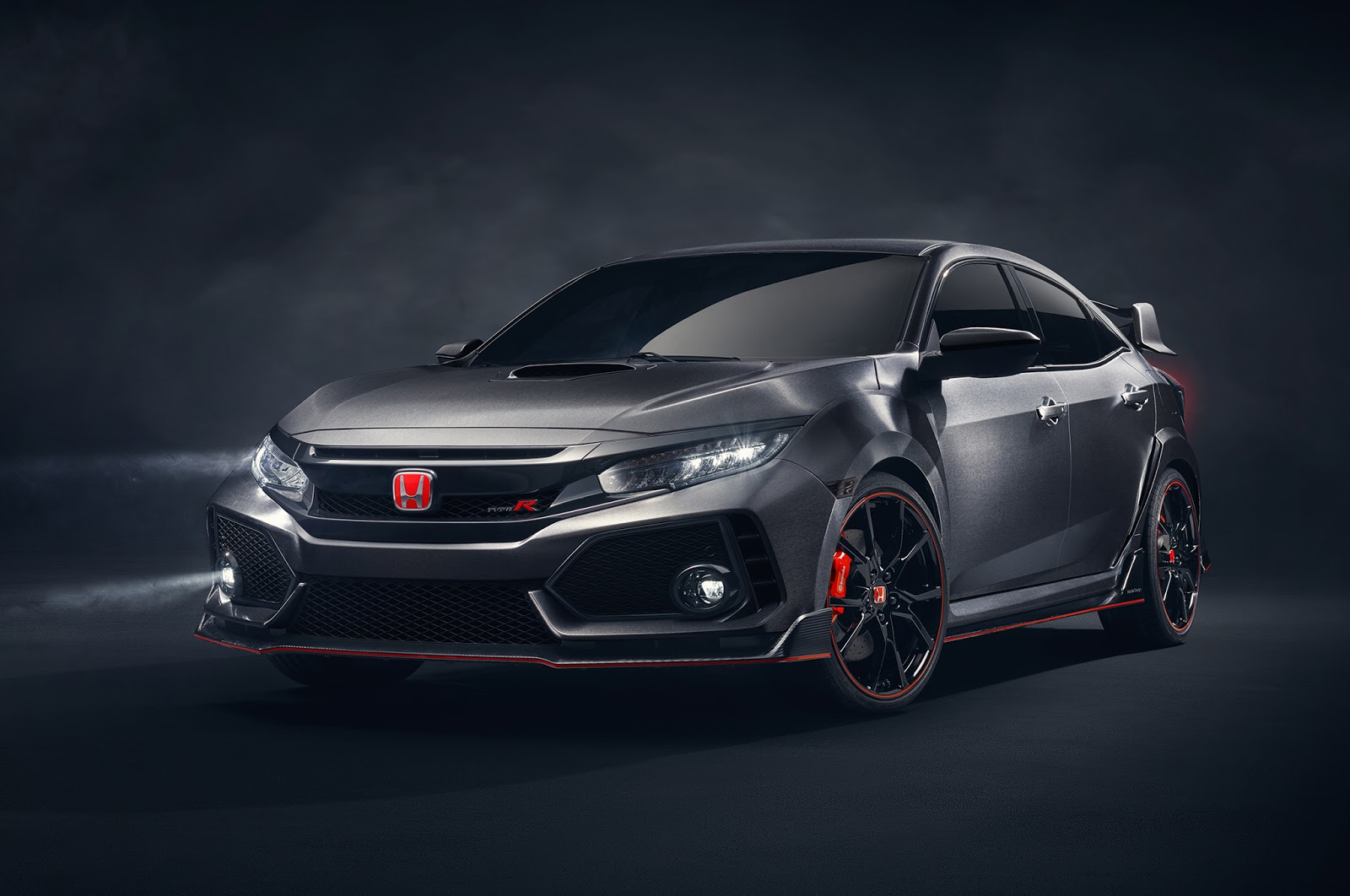 2017 honda civic type r here 39 s how it differs from the prototype news. Black Bedroom Furniture Sets. Home Design Ideas